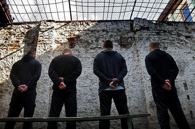 Украина не хочет забирать своих заключенных из Крыма