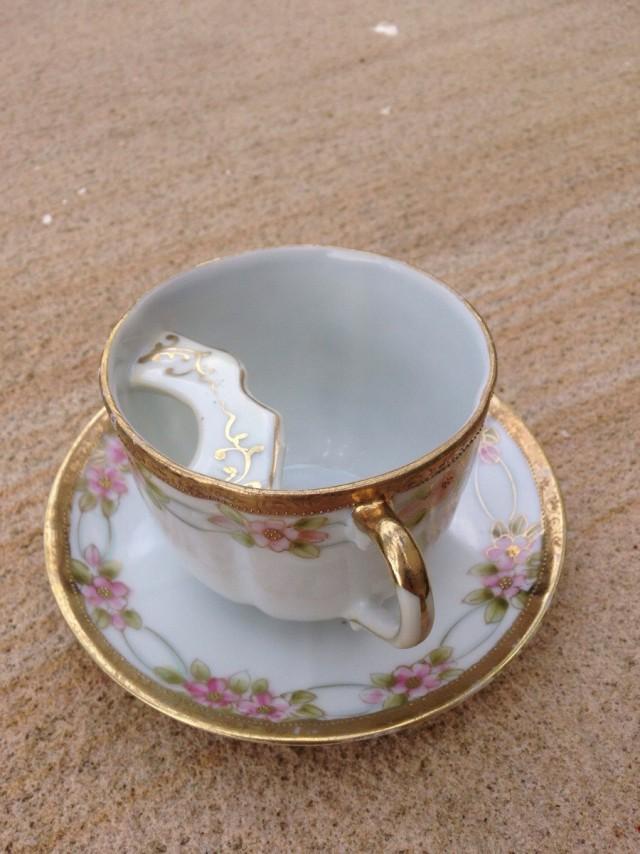 Чашка с защитой для усов