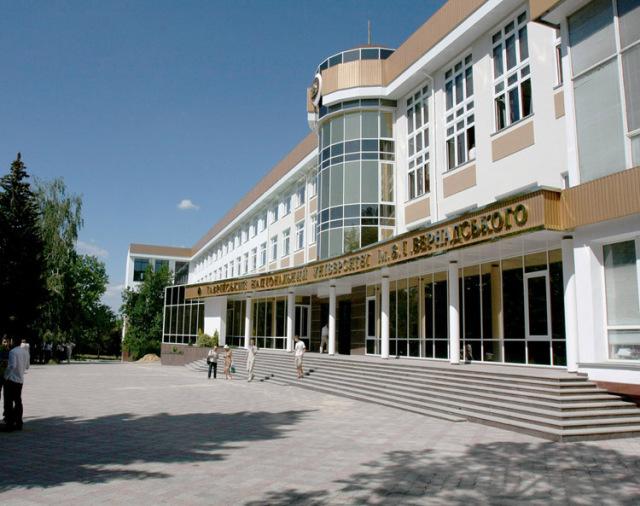 Три тысячи студентов из Иордании решили перевестись из Украины в Крым