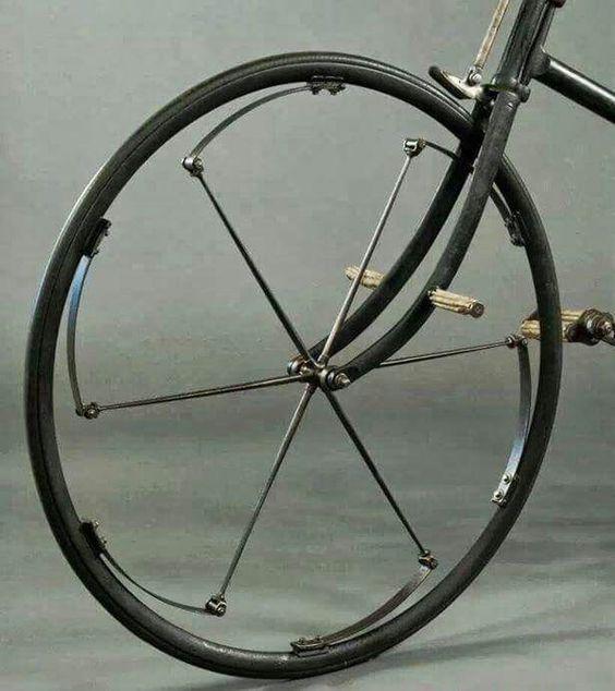Интересная концепция амортизационной системы велосипеда