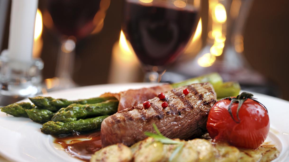 Мясо и вино